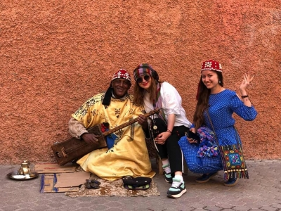 gallery/morocco_gitar_girls